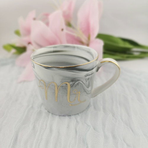 Custom-made 360ml marble effect Porcelain cup with gold design