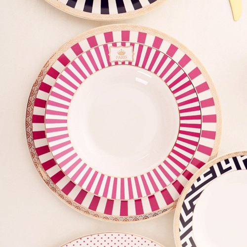 Wholesale 10inch round shape white ceramic dinner plate with pink print