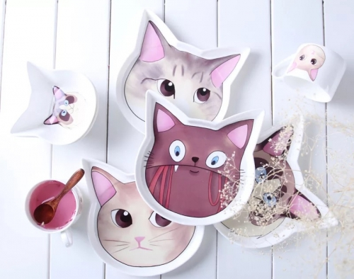Kitty shallow pastry bone China plate